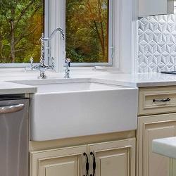 """Fine Fixtures 30"""" Apron Front Farmhouse Kitchen Sink"""